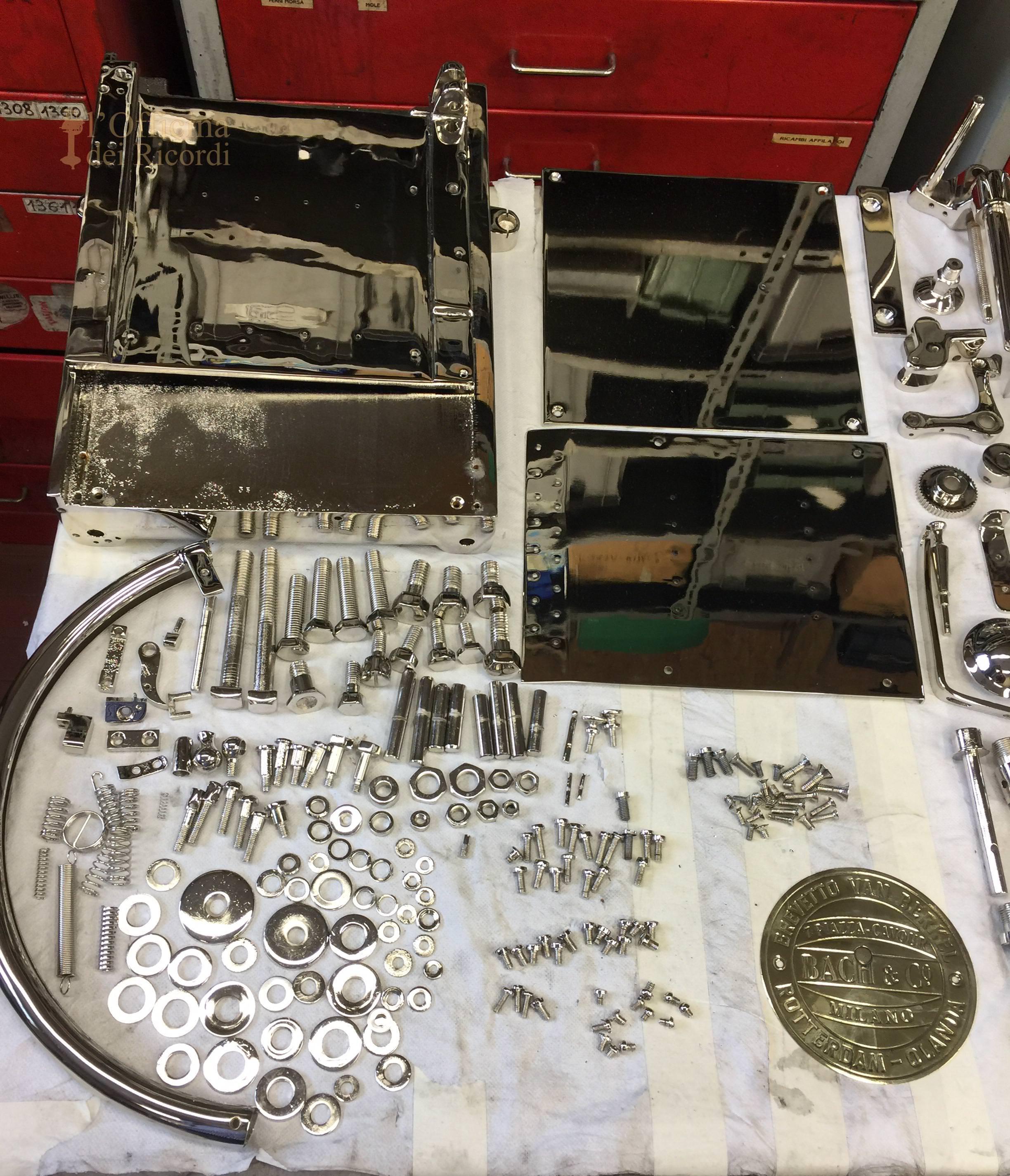 Lavori di lucidatura e nichelura su parti meccaniche della affettatrice Berkel modello L