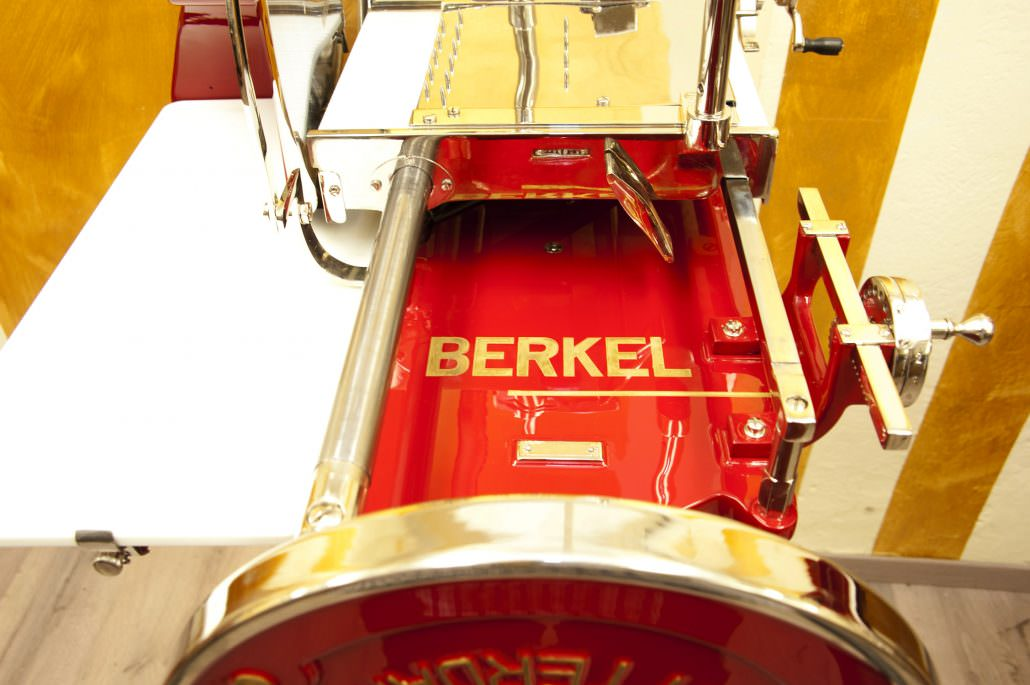 Berkel slicing machine model 5 red